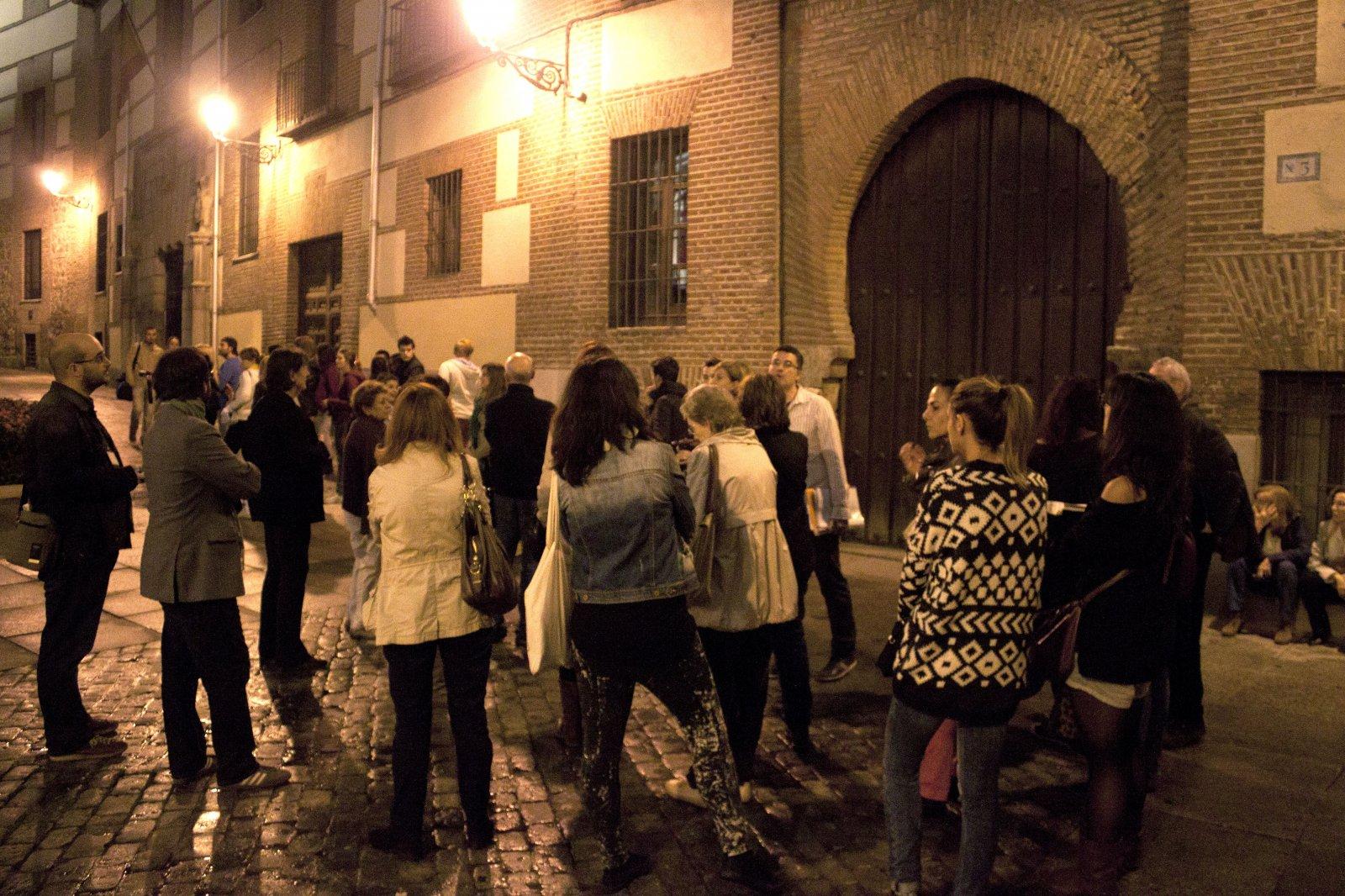 11. La Casa de los Lujanes, en la Plaza de la Villa, luce en su fachada un arco de herradura único en Madrid.