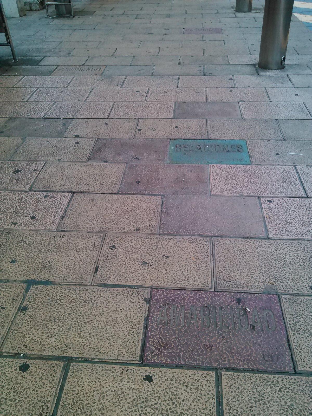 91-baldosas-plaza-estaciones