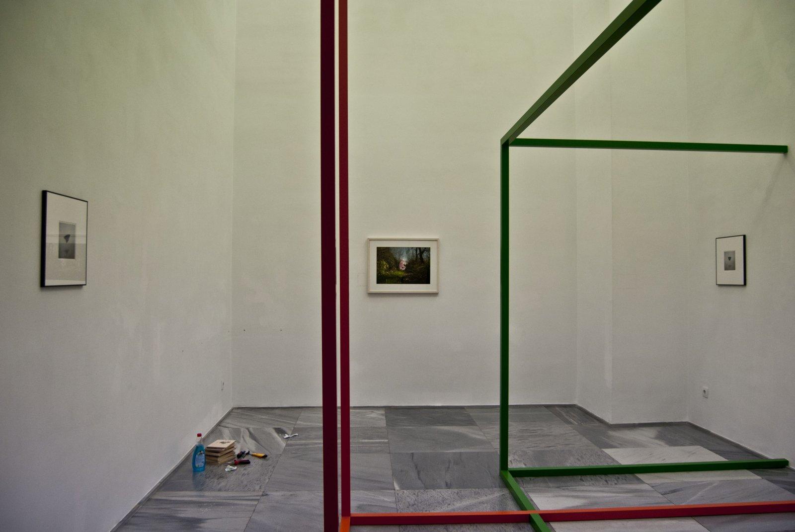 Montaje de 'Espacio gélido', de Julia Llerena, en la galería Espacio Mínimo