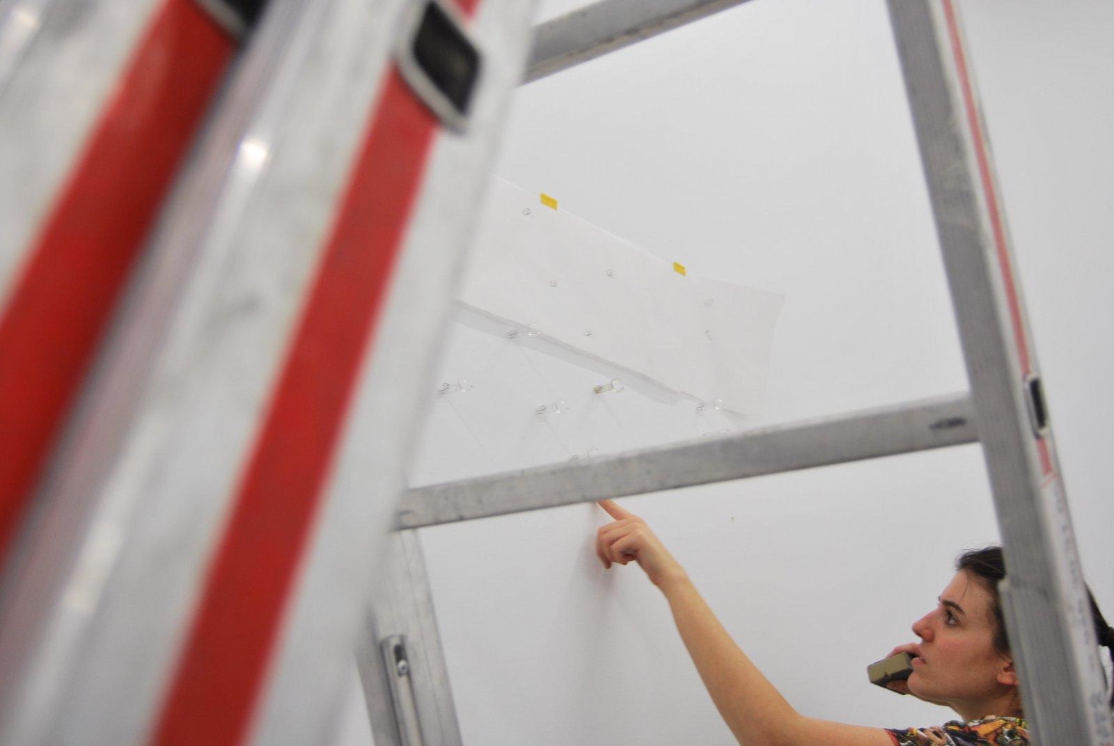 Montaje De \'Zorras\', De Garazi Lara Icaza, En La Galería Moisés Pérez De Albéniz