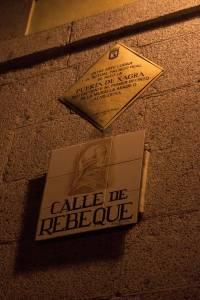 12. La Puerta de la Sagra desapareció en la década de 1950 derribada, al igual que la iglesia adyacente de San Miguel de la Sagra.