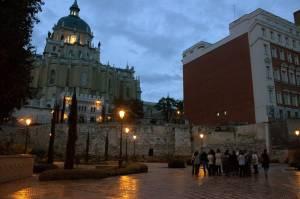 9. Tras los restos de la muralla musulmana se levanta la Catedral de la Almudena.