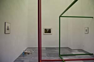 Durante El Montaje De \'Espacio Gélido\', De Julia Llerena, En La Galería Espacio Mínimo
