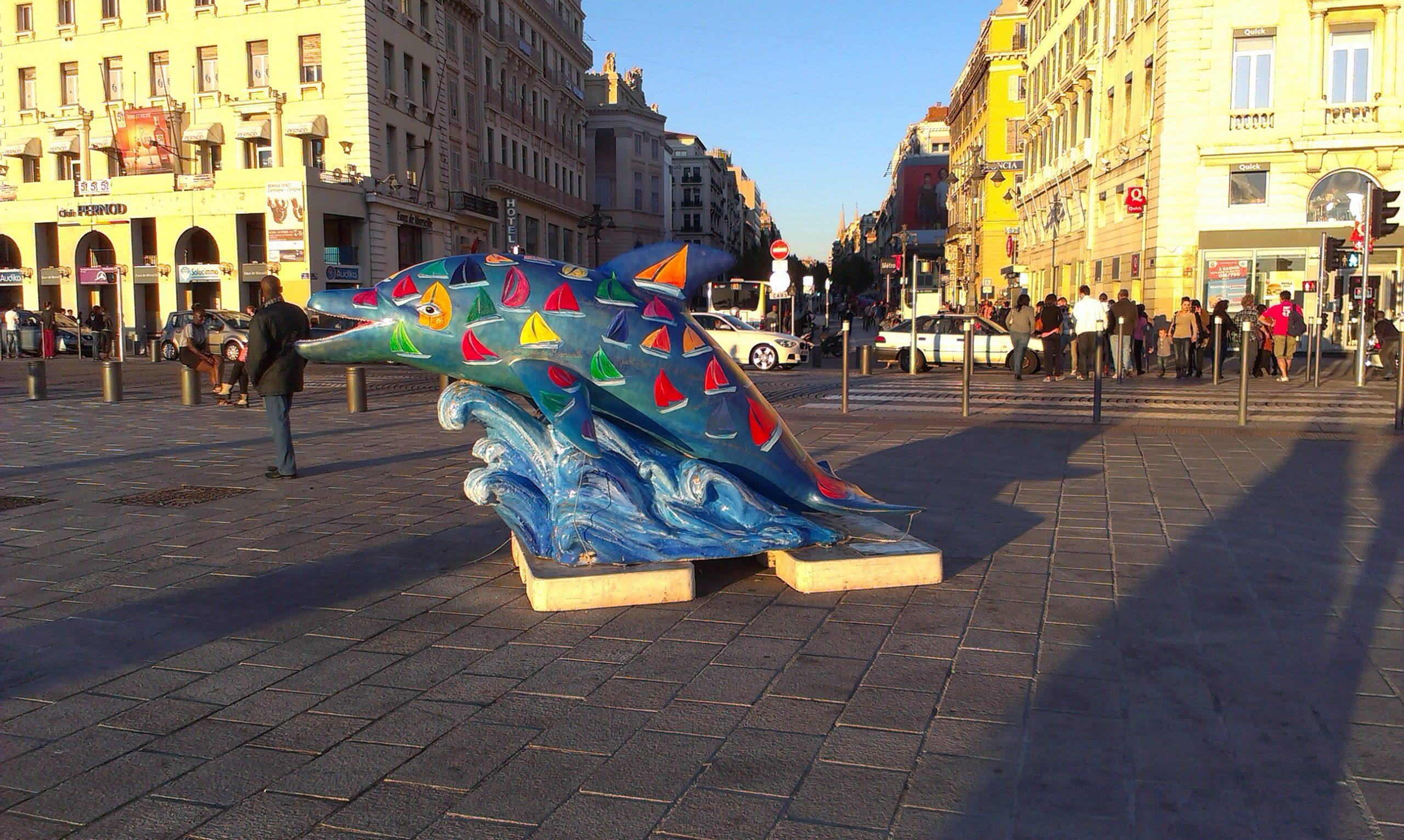 delfin-estatua-marsella