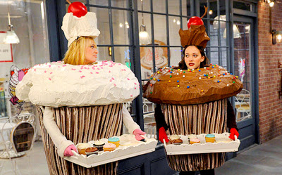 Max y Caroline de Two broke girls