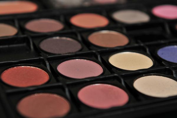 Poesía de tocador: los mejores nombres de tonos de maquillaje