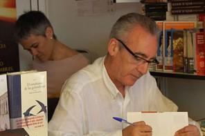 Juan José Millás se desdobla en una novela falsa