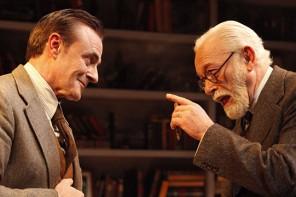 'La sesión final de Freud': batalla dialéctica entre fe y razón
