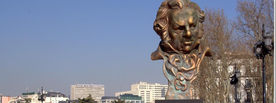 Goya mira a otros premios.
