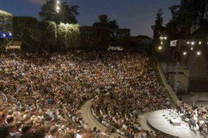 Bajo el cielo en los festivales de teatro del verano