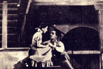 Escena del estreno de 'Historia de una escalera'