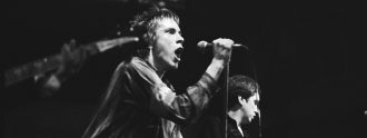 Sex_Pistols_Johnny_Rotten_Steve_Jones-noktonmagazine