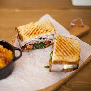 sandwich_roastbeef-crumb-nokton-magazine