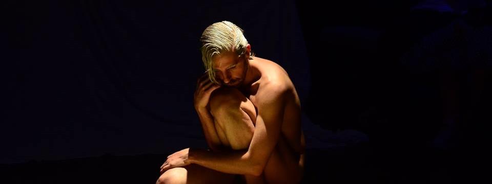 El acto íntimo de Santi Senso ´Casta, peste y eternidad...´. Foto de Borja Barrera.