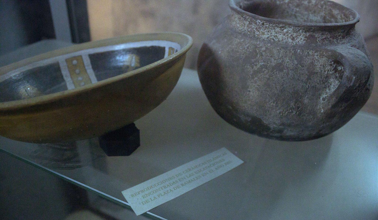 13. Estos objetos árabes fueron encontrados en lo que fue un silo de la ciudad.