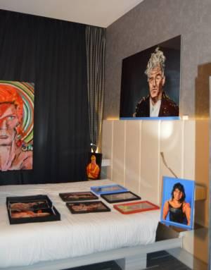 Obra de Marie-Lou Demeules y Piere Louis Geldenhuys en la habitación de Ecomunicam (3)