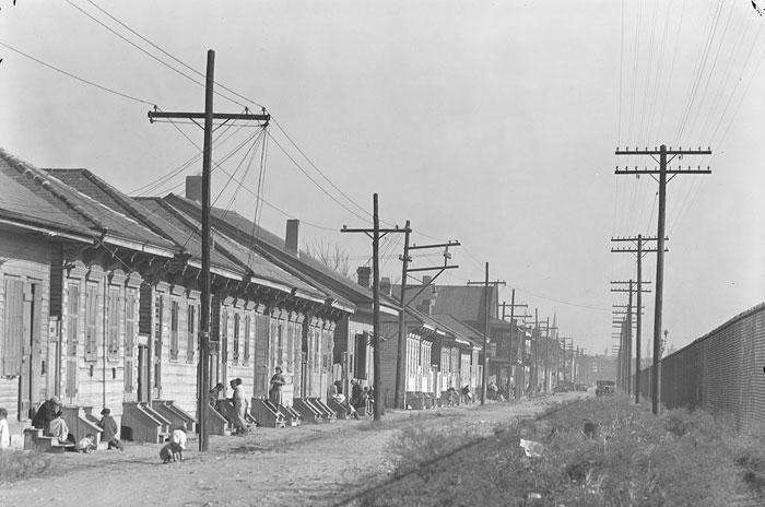 NewOrleansNegroStreetWalkerEvans1935
