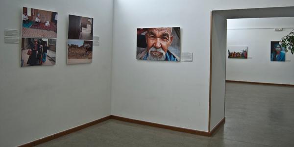Algunas de las fotografías de la parte de Xinjiang, China, en la exposición de ECOS (Casa del Reloj)