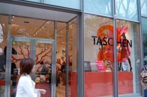Tienda temporal de Taschen en Tokyo.