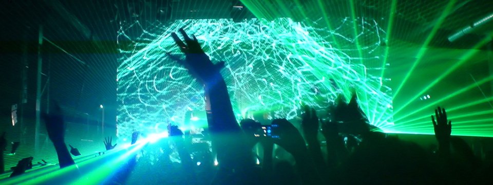 Dos décadas de Chemical Brothers: un golpe de batería que lo cambió todo