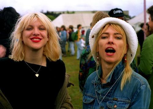Courtney Love y Kim Gordon.