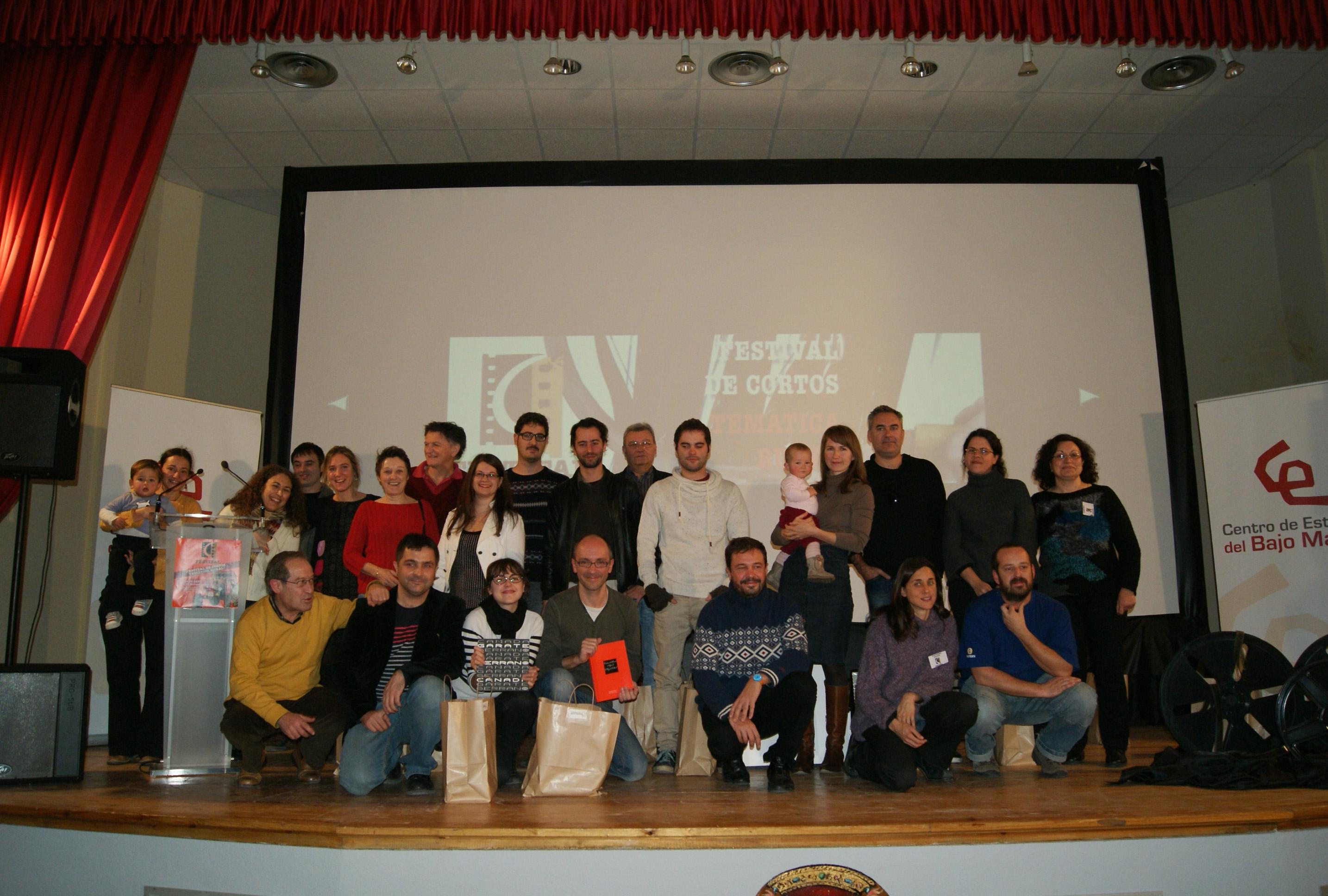 Foto de grupo de los participantes en el FestiFal de 2013