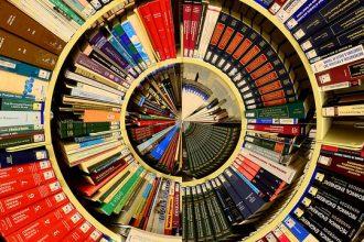 Biblioteca en espiral.