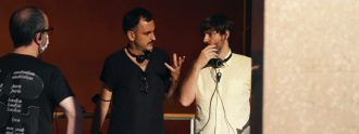 Pablo Messiez y Marques-Marcet en el rodaje de 'Todo el tiempo del mundo', su episodio en 'Escenario 0'.