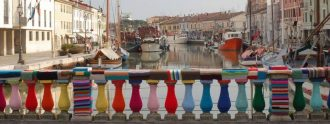 Urban Knitting en un puente italiano.