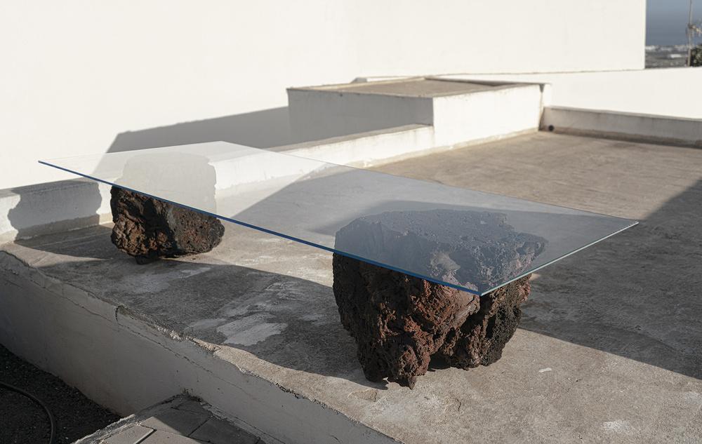 'La mesa'. Por Carlos Álvarez y Saray Osorio.